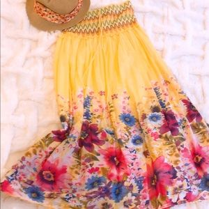 Other - Flowery strapless dress for girls